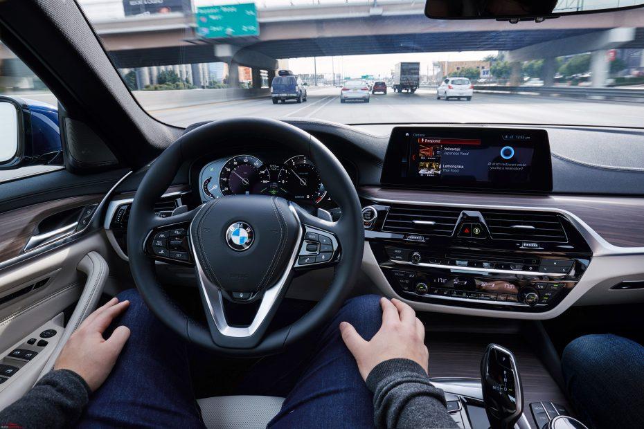 """Pregunta de """"futuro examen"""" de conducir: ¿Conoces los 5 niveles de conducción autónoma?"""