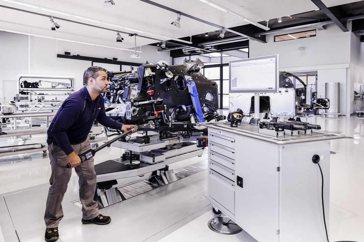 Bugatti Chiron Factory-4