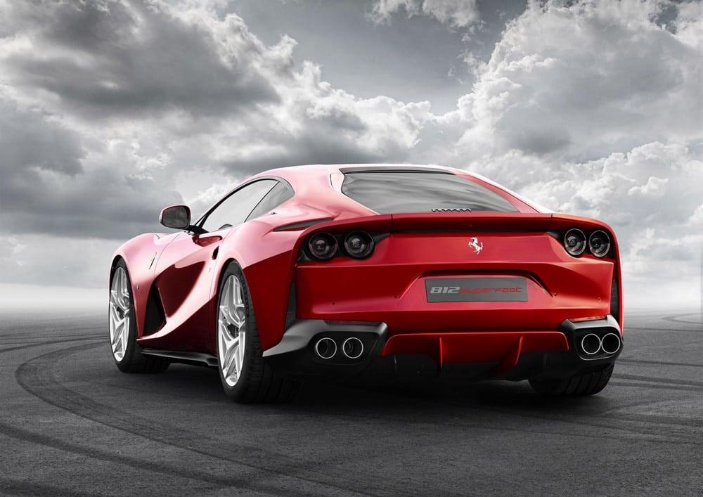 Ferrari 812 Superfast (4)