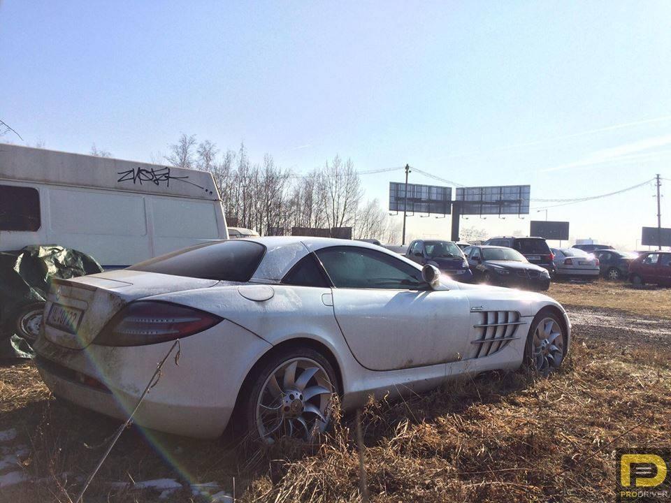 Mercedes-Benz SLR McLaren abandonado-1