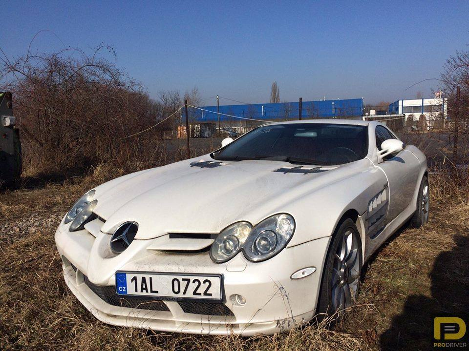 Mercedes-Benz SLR McLaren abandonado-4