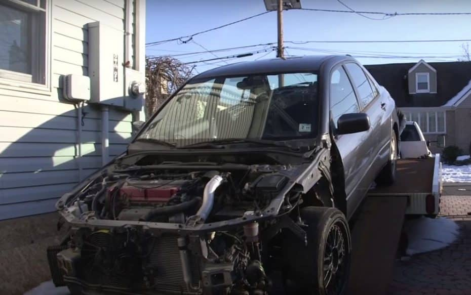 Un Lancer Evo IX abandonado, un coleccionista de coches… ¡Y una segunda vida para el deportivo!