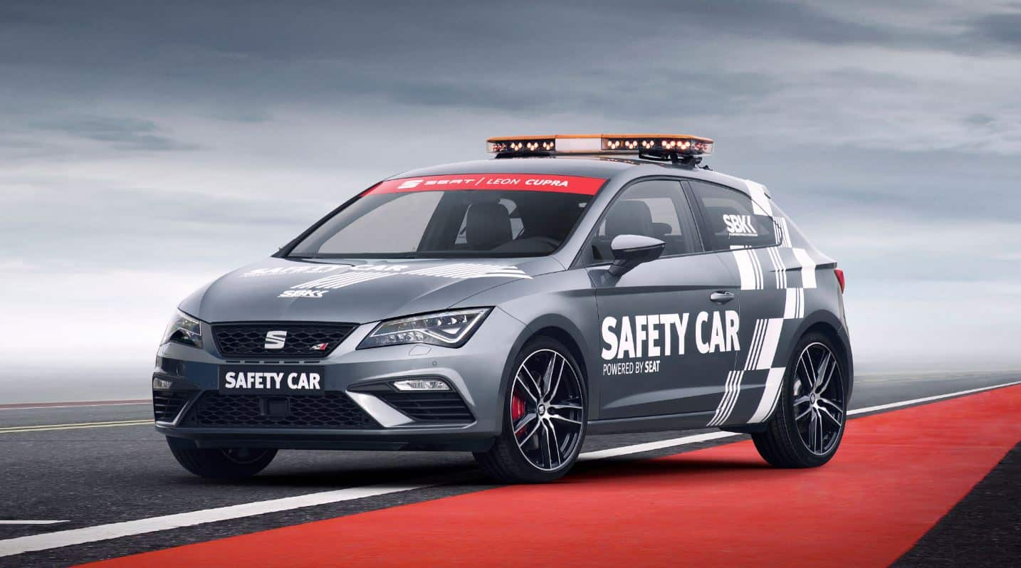 el seat le n cupra 300 disfrazado de safety car s para el worldsbk. Black Bedroom Furniture Sets. Home Design Ideas