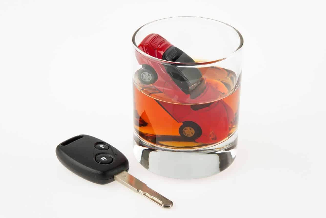Beber mucha agua o tónica puede ayudarte a bajar tus niveles de alcohol en sangre