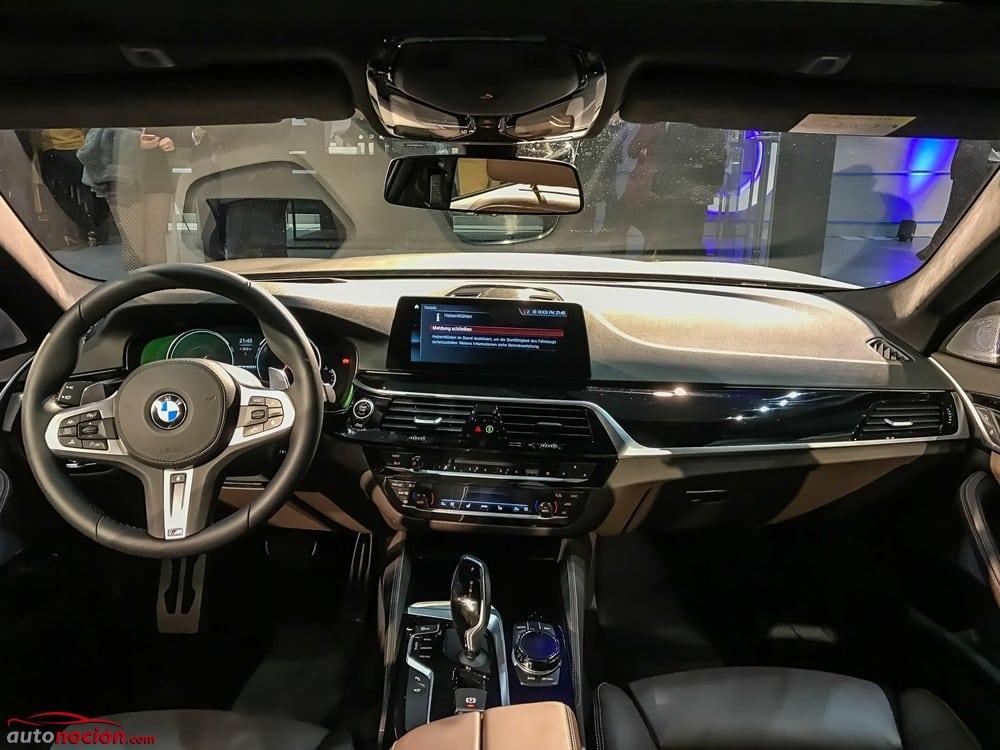 BMW M550i xDrive (18)