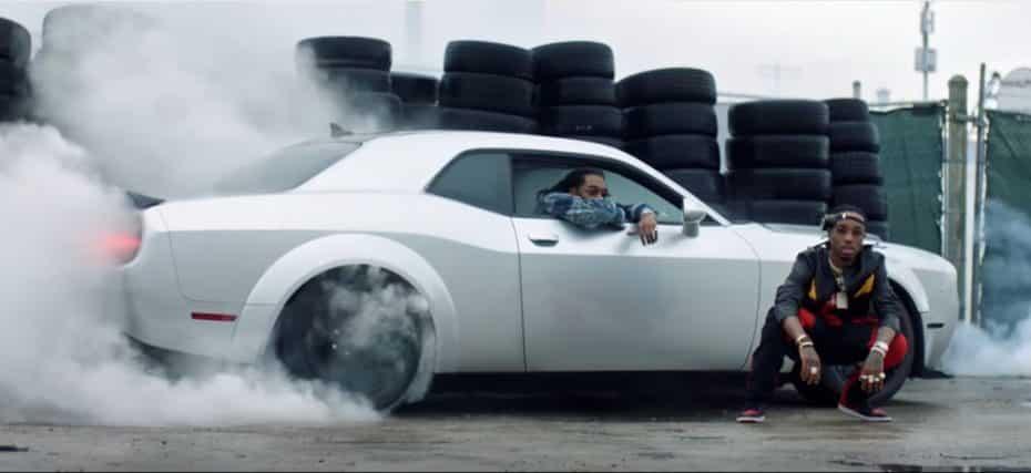 El Challenger SRT Demon es un secreto a voces: ¡Tanto teaser y aparece al descubierto en videoclips!
