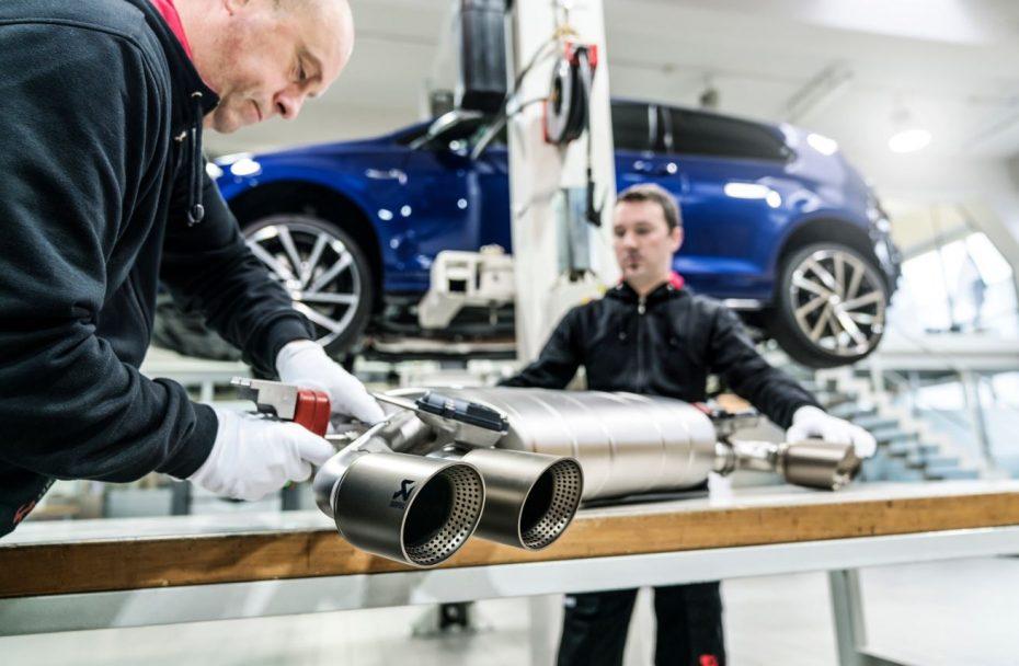 Así es el escape de titanio Akrapovič R-Performance que monta el Volkswagen Golf R…