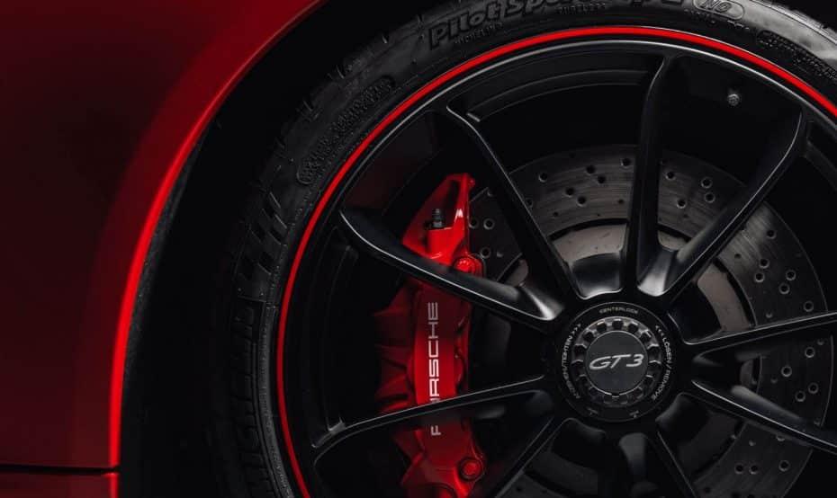 Toma, aquí tienes más imágenes de la nueva bestia, el Porsche 911 GT3