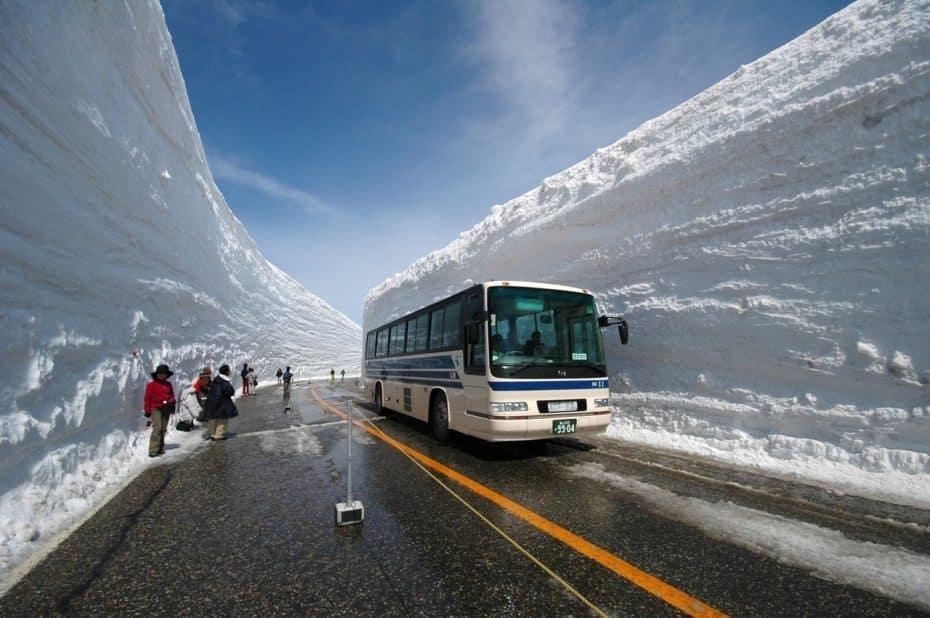 Limpiar una carretera con 18 metros de nieve de profundidad no es fácil… Bienvenido a Snow Canyon