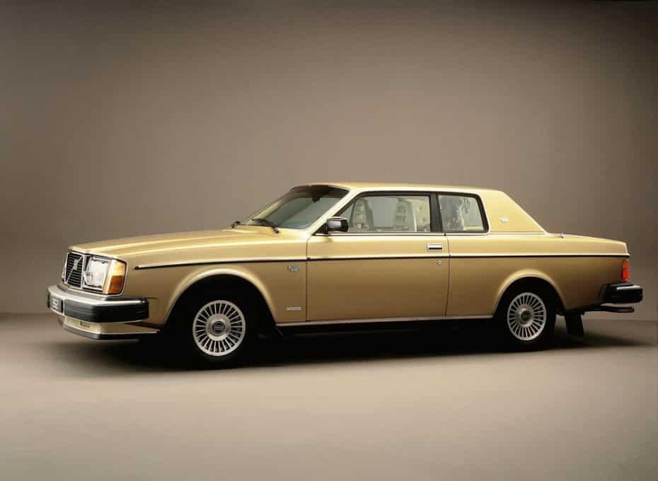 El Volvo 262 Coupé cumple 40 años: Diseñado en Suecia y construido en Italia para el mercado estadounidense