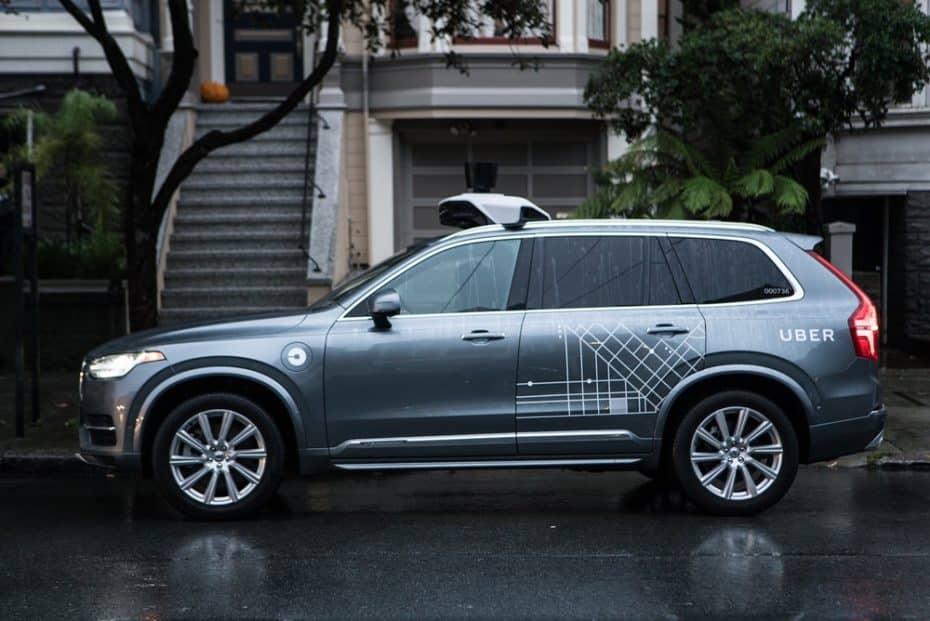 Un coche autónomo de Uber se cobra la primera víctima mortal en Arizona