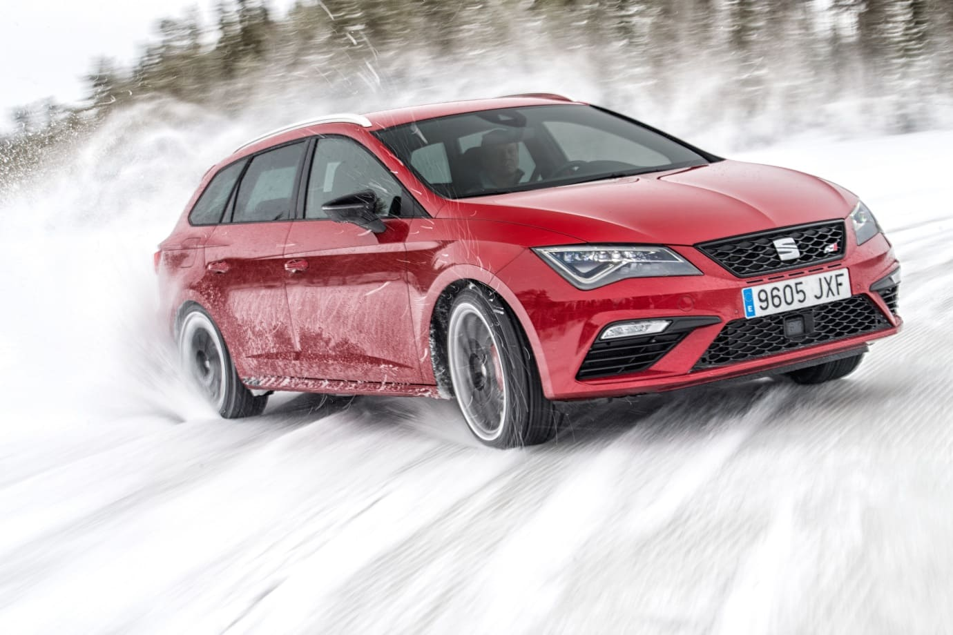 seat leon cupra st 4 drive vs 6 huskies en la nieve forocoches. Black Bedroom Furniture Sets. Home Design Ideas