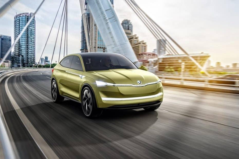 """Saluda al Škoda Vision E: Un """"rival"""" eléctrico y semiautónomo para el BMW X4"""