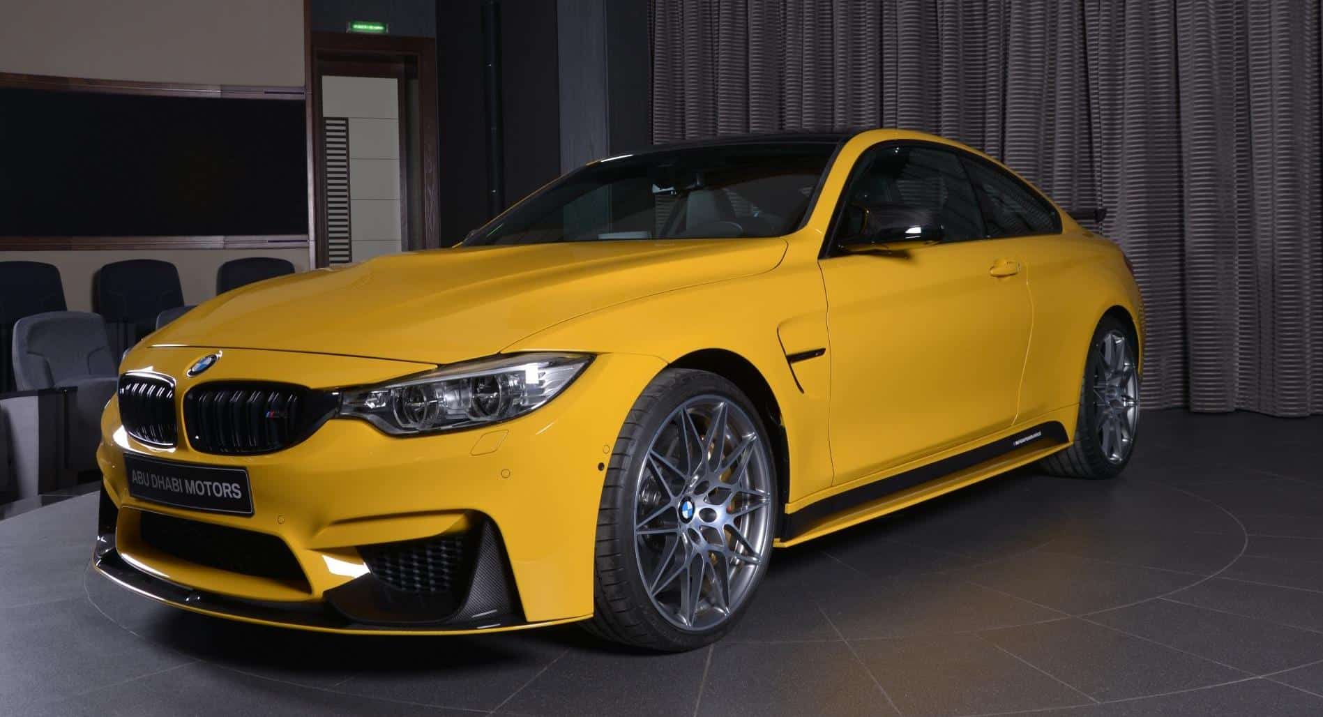 Este BMW M4 Competition Package 'Speed Yellow' está a la venta en Abu Dhabi y es de todo menos discreto
