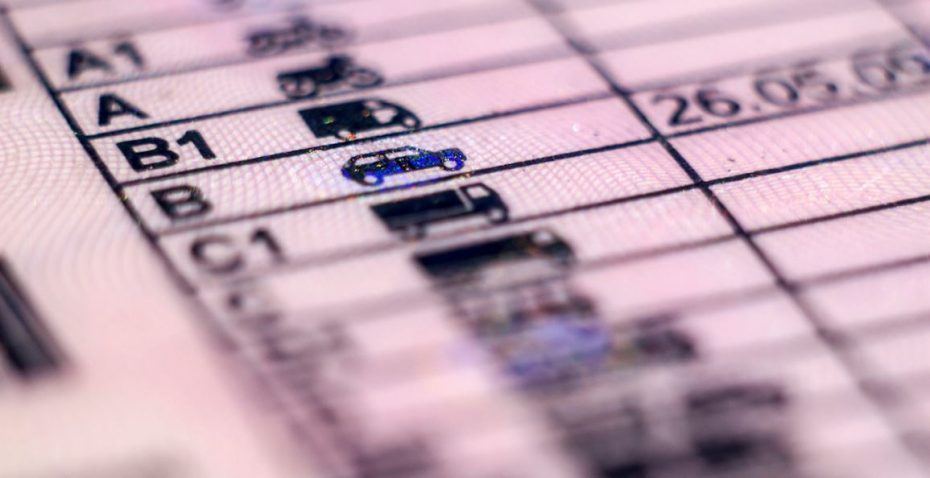 ¿Qué es el permiso B1 que aparece en mi carnet de conducir? ¿Para qué sirve?