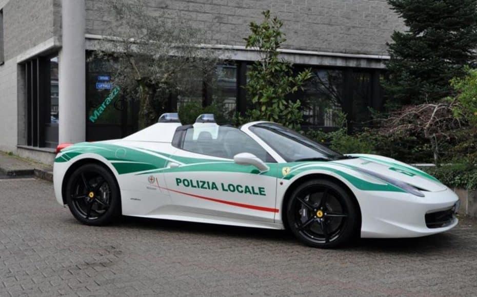 Este Ferrari 458 Spider decomisado será el nuevo juguete de la policía local de Milán…