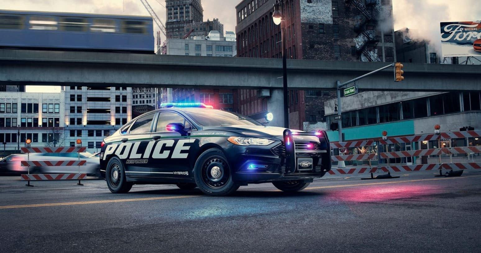 ¡Adiós al V6 de 3.7 litros!: El reemplazo es híbrido y se llama Ford Police Responder Hybrid Sedán