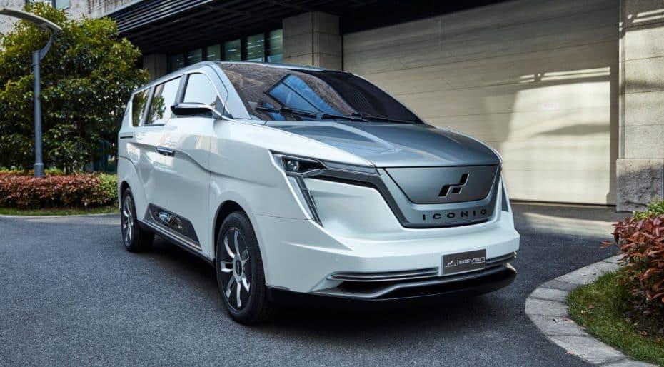 La extinta Saab y W Motors fabricarán un MPV eléctrico con genes del Lykan Hypersport