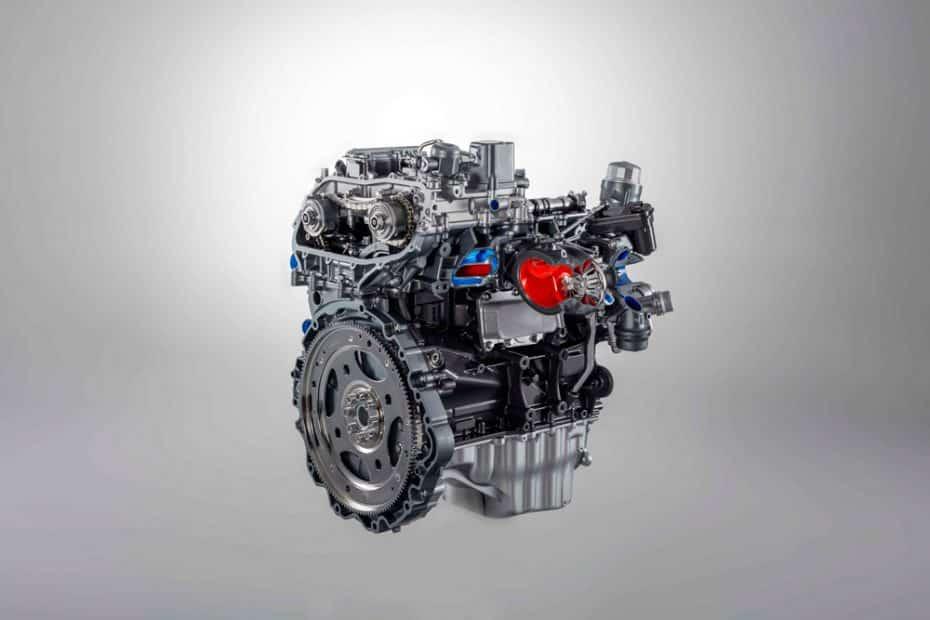 Así suena el nuevo motor de 2.0 litros y 300 CV del Jaguar F-TYPE ¿Seguro que no es un deportivo?