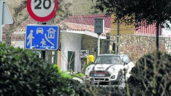 Límite de velocidad de 10 km/h en Pontevedra: Te adelantarán los peatones dando un paseo