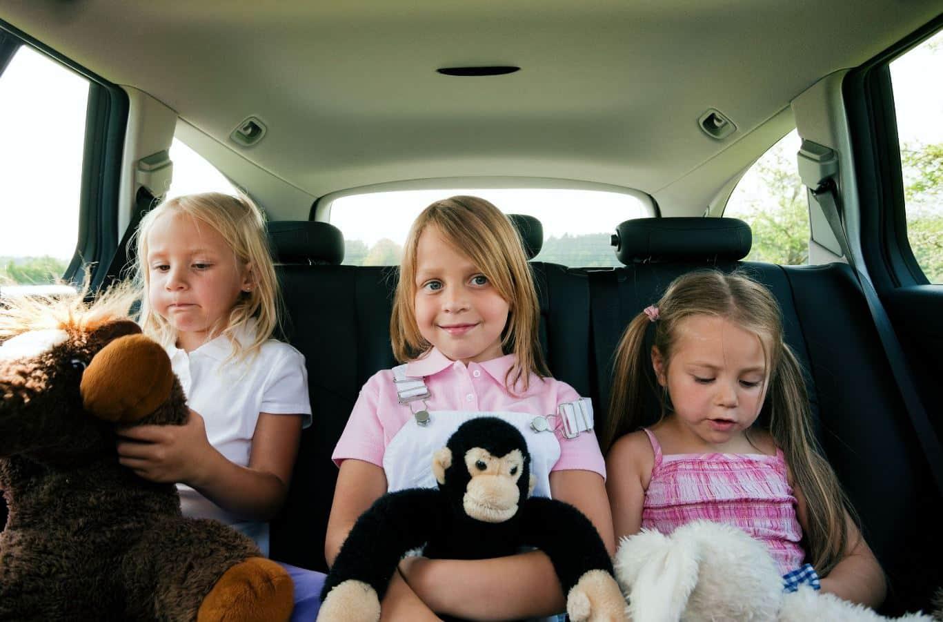 El uso de la mascarilla en el coche sigue siendo obligatorio salvo para convivientes