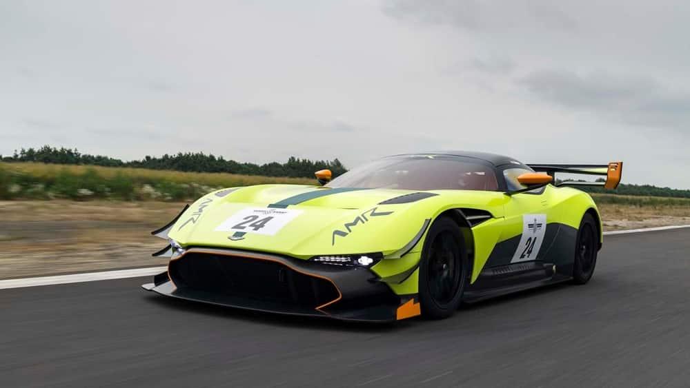 ¡Brutal! Aston Martin Vulcan AMR PRO: Desafiando a las mismísimas leyes de la física