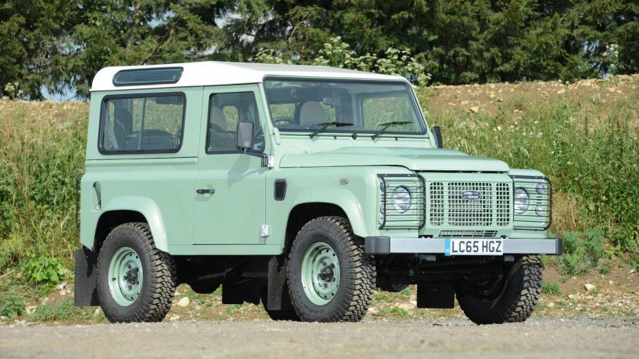 Este rarísimo Land Rover Defender sale a subasta ¿Adivinas qué famoso fue su dueño?