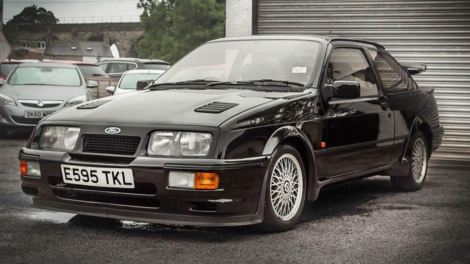 Este Ford Sierra Cosworth RS500 busca nuevo dueño ¡Y apenas tiene 17.000 kilómetros!