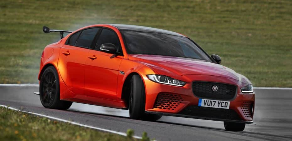 Jaguar XE SV PROJECT 8: El Jaguar que quiere comerse «BMW M4 GTS » de dos en dos…