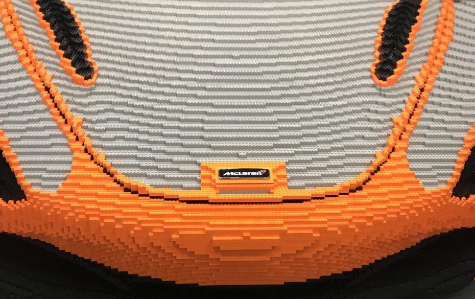 """Un McLaren 720S de LEGO a escala natural 1:1, un """"juguete"""" con ¡Más de 280.000 bloques!"""