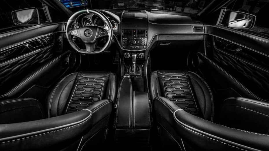 Tan siniestro como exclusivo: Así es el interior de este Mercedes-Benz C63 AMG por Carlex Design