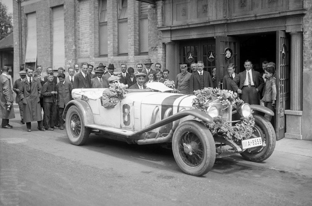 Mercedes-Benz Model S: El primer 'Elefante Blanco' de la Estrella que triunfó en Nürburgring
