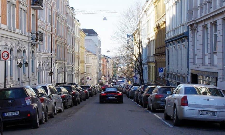 ¿Eliminar los aparcamientos de las calles? En Oslo se va a acabar lo de llevar el coche al centro…