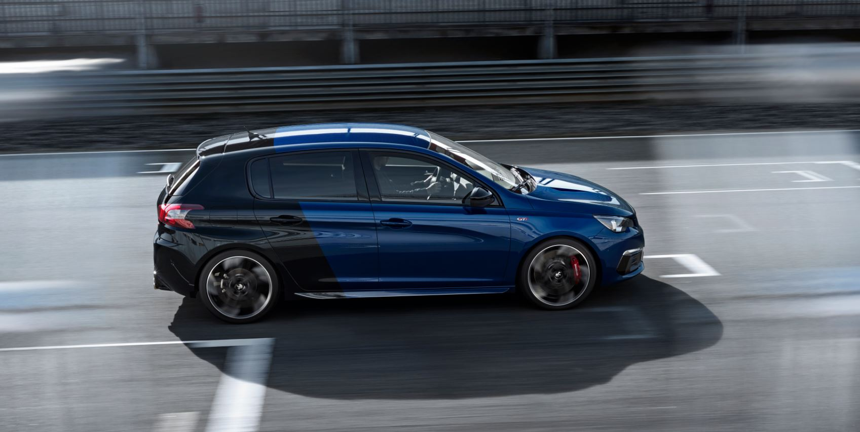 as es el renovado 308 gti by peugeot sport 6 litros a los 100 km y 6 segundos de 0 a 100 km h. Black Bedroom Furniture Sets. Home Design Ideas