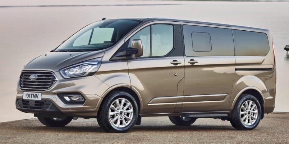 El Ford Tourneo Custom «se pone guapo»: Llegará tras el verano