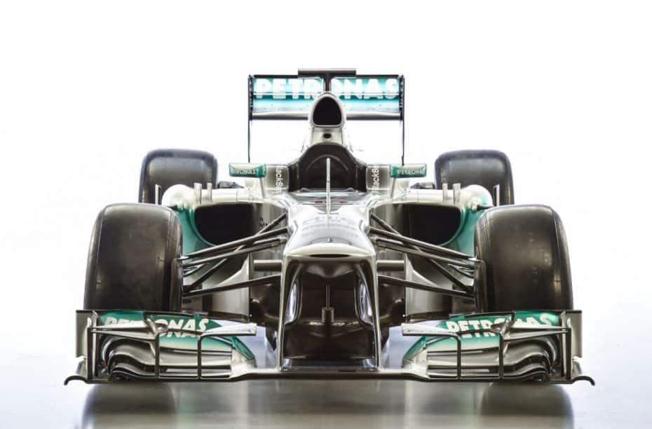 """¡Joya a la venta para los amantes de la """"antigua y divertida"""" F1!: Sí, es el F1 W04 de Mercedes-AMG Petronas…"""