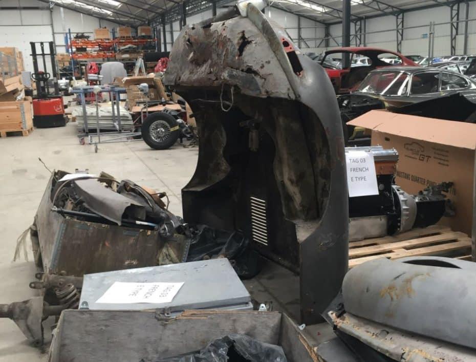 Por piezas y en cajas: Así ha sido encontrado un Jaguar E-Type y esto es lo que van a hacer con él