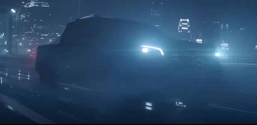 Queda muy poco para conocer el Mercedes-Benz Clase X: Ya puedes ver un adelanto en este vídeo
