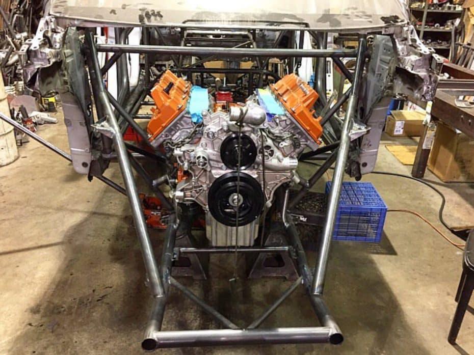 ¿Un motor Hellcat de 1.000 CV en un Toyota Prius? Te presentamos el PriuSRT8, listo para volar