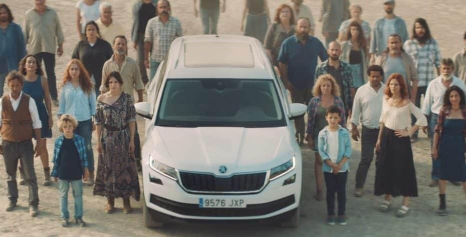 ¿Qué hace un Škoda Kodiaq en el desierto de Almería? Da la bienvenida a 'LOS COWBOYS DEL DESIERTO'