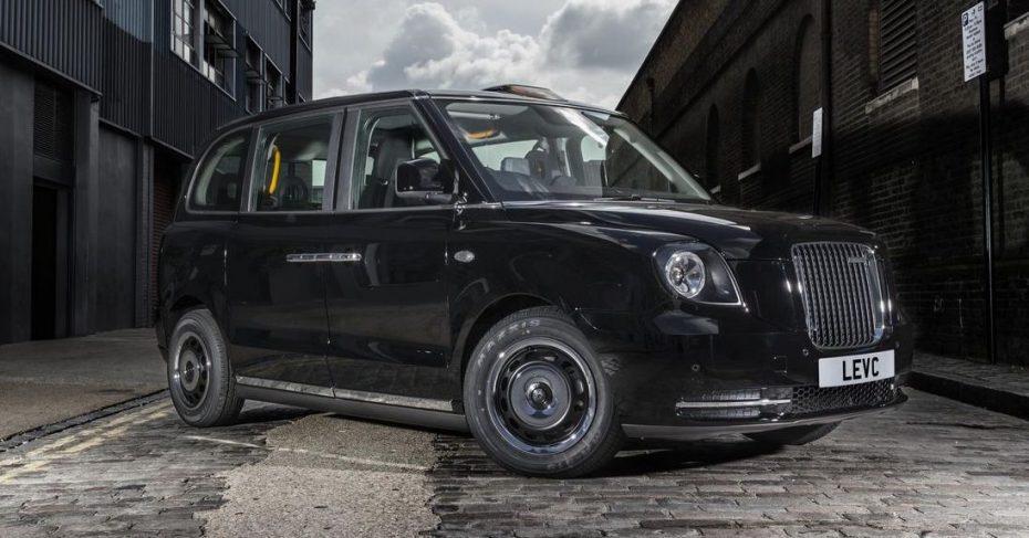 Uno de los taxis más famosos del mundo acaba de renovarse por completo ¡Y no luce nada mal!