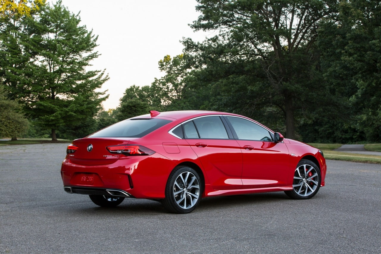 el buick regal gs es el equivalente al insignia gsi pero con 310 cv. Black Bedroom Furniture Sets. Home Design Ideas