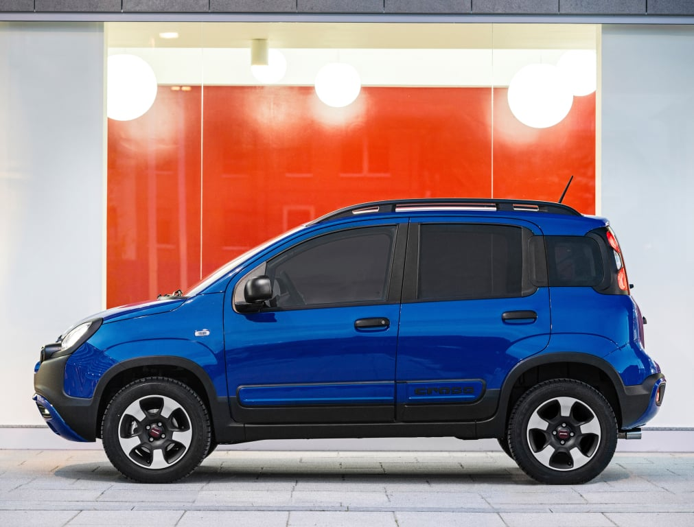 ya puedes adquirir el fiat panda city cross en espa a. Black Bedroom Furniture Sets. Home Design Ideas