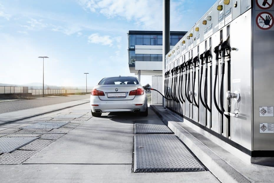 O futuro?  Combustíveis neutros de emissão sintética para motores de combustão