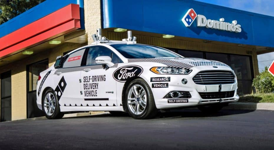 Ford y Domino's se han aliado… ¡Para repartir pizza con coches autónomos!