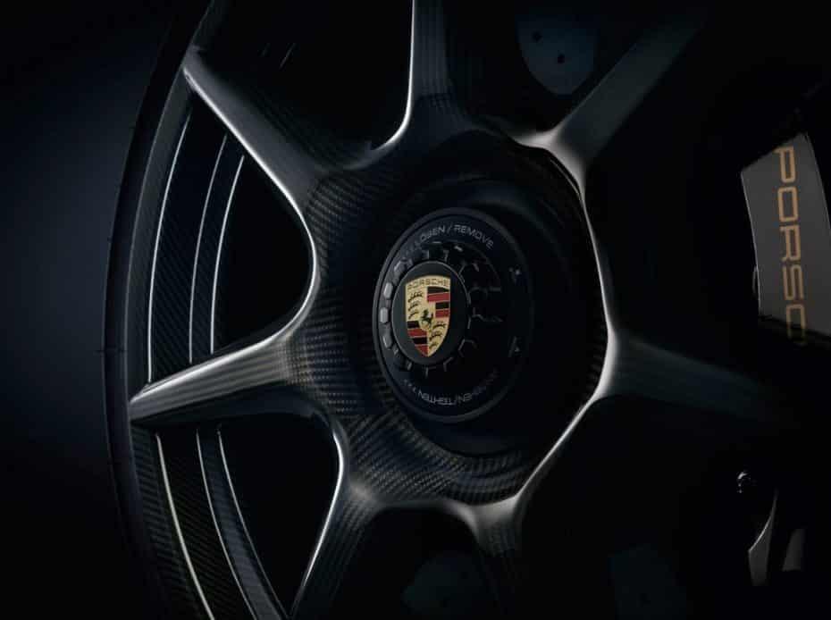 El juego de llantas de fibra de carbono trenzada de Porsche ya tienen precio, ¡Maldito dinero!