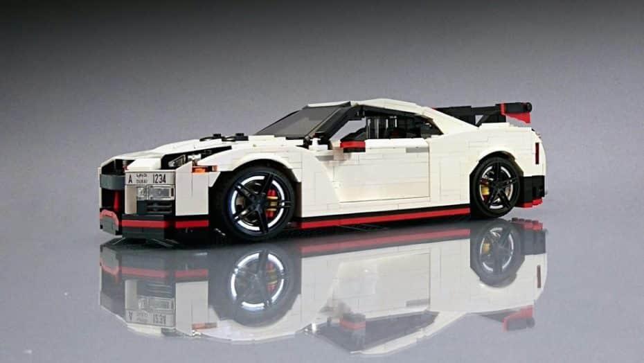 """Tengas la edad que tengas quieres """"jugar"""" con este Nissan GT-R Nismo de LEGO, y lo sabes"""