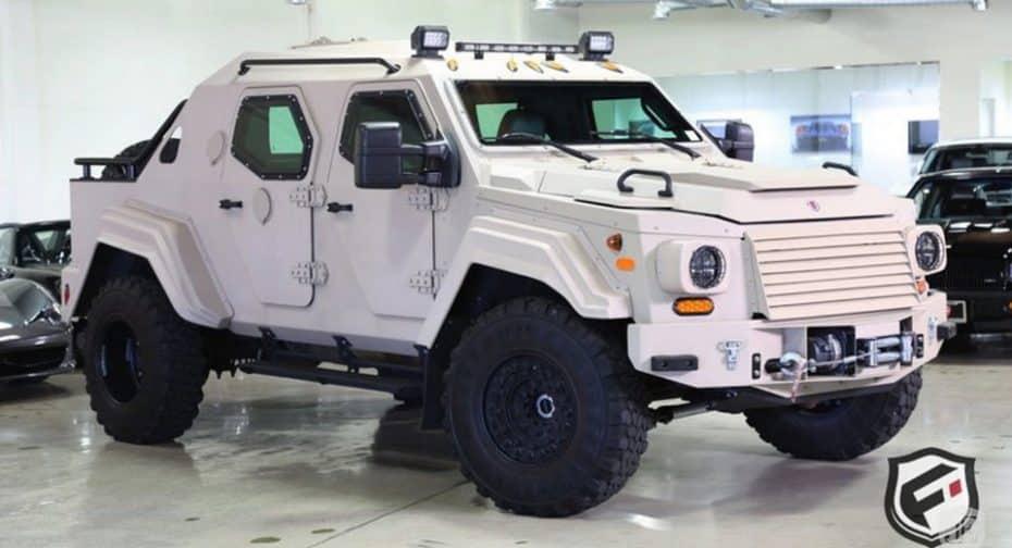 La máquina de guerra definitiva, así es el Terradyne Gurkha que esconde un Ford 550 XL en su interior