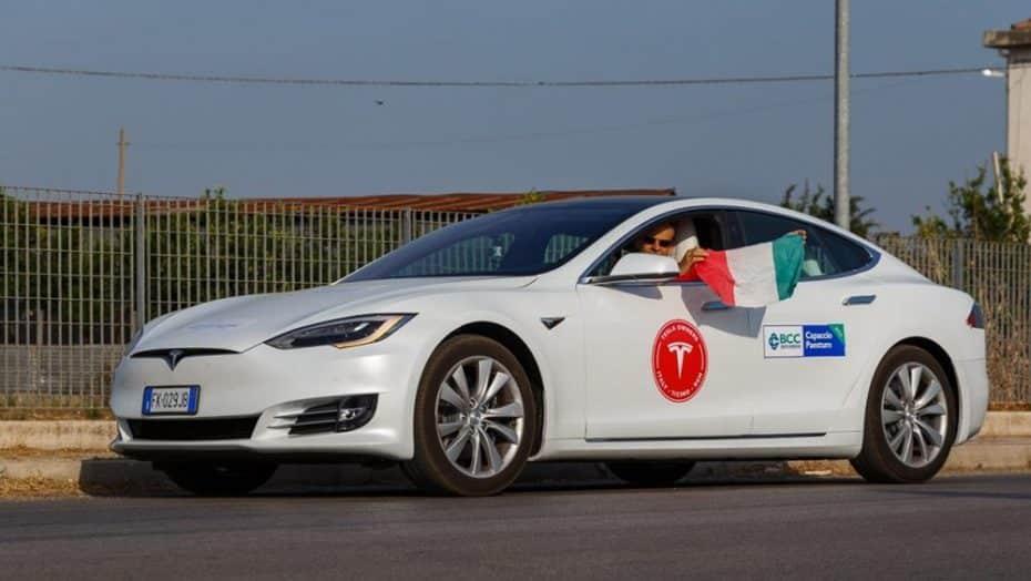Un Tesla Model S 100D puede recorrer más de 1.000 km con una sola carga y este récord es la prueba