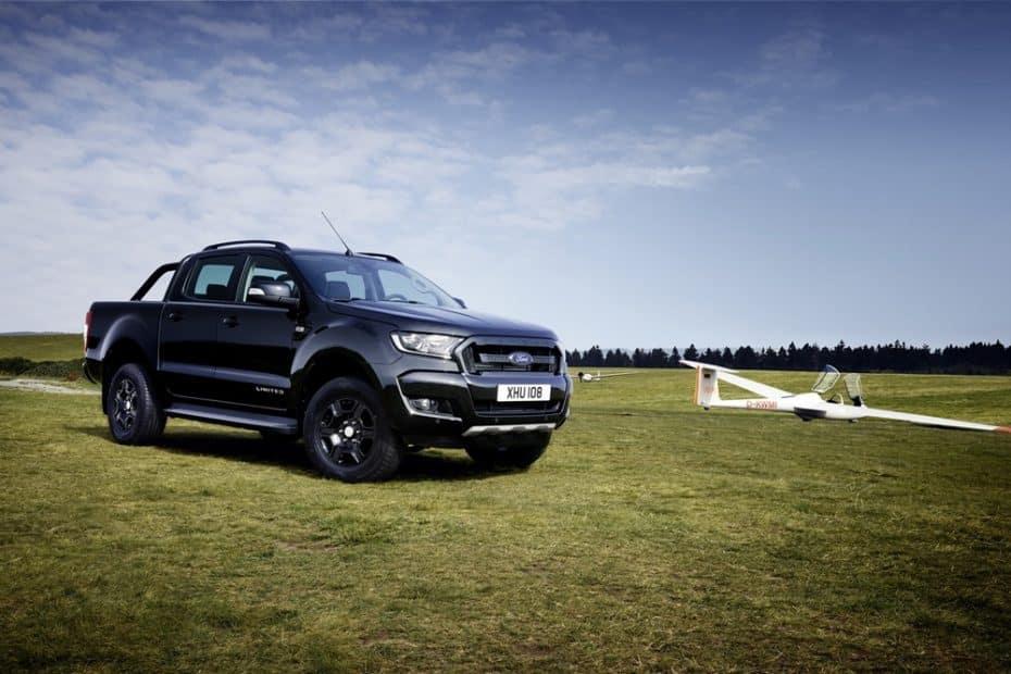 Ford Ranger Black Edition: La firma del óvalo lo apuesta todo al negro con esta edición para su pick-up